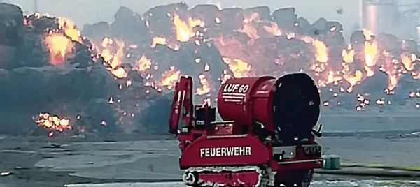 """It's a good thing that the LUF 60 extinguishing robot is there."""