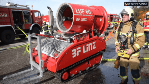 Großbrand nach Explosion in einem Entsorgungsunternehmen