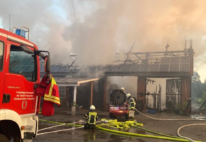 Read more about the article Large fire destroys barn with photovoltaic system